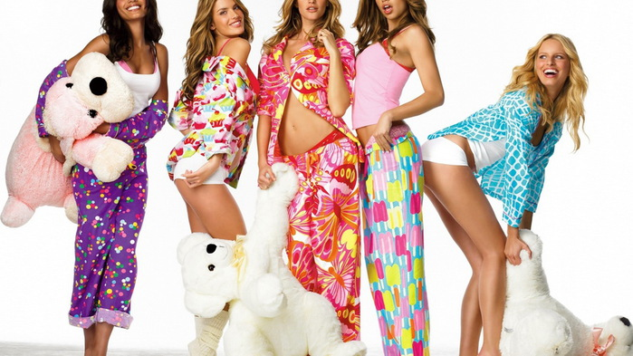 Стильна домашній одяг для жінок - фото: в якому одязі ходити вдома модниці?