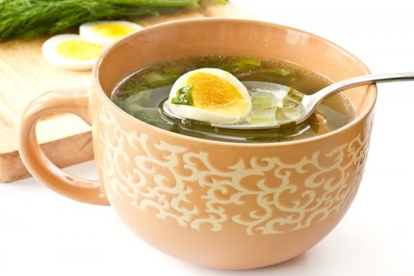 Суп з щавлю консервованого. Суп із щавлю з яйцем.