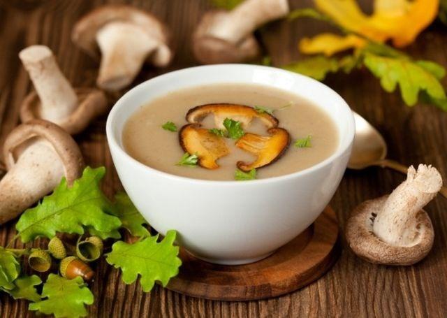 Сирний суп з грибами в мультиварці