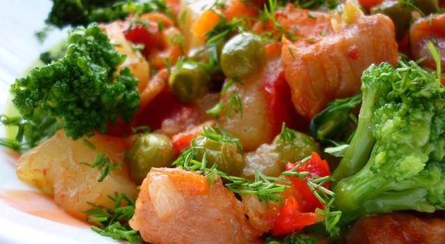 Тушковані овочі з беконом в мультиварці