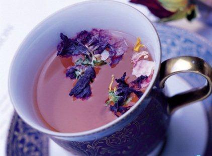 Вживання чаю при годуванні груддю