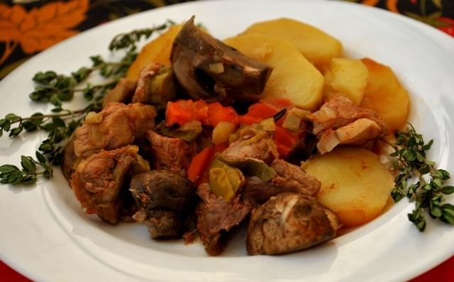 Печеня зі свинини в мультиварці: рецепт